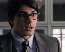 superman-clark-kent-routh