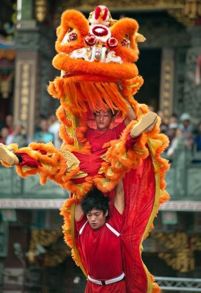 Big lion dancers. (Photo: Rich Matheson)